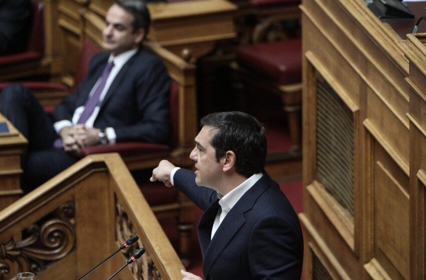 """Τσίπρας Βουλή: Καταθέτει στοιχεία για τη σύνδεση τουρισμού – έξαρσης πανδημίας – Η """"πάσα"""" Γεωργιάδη"""
