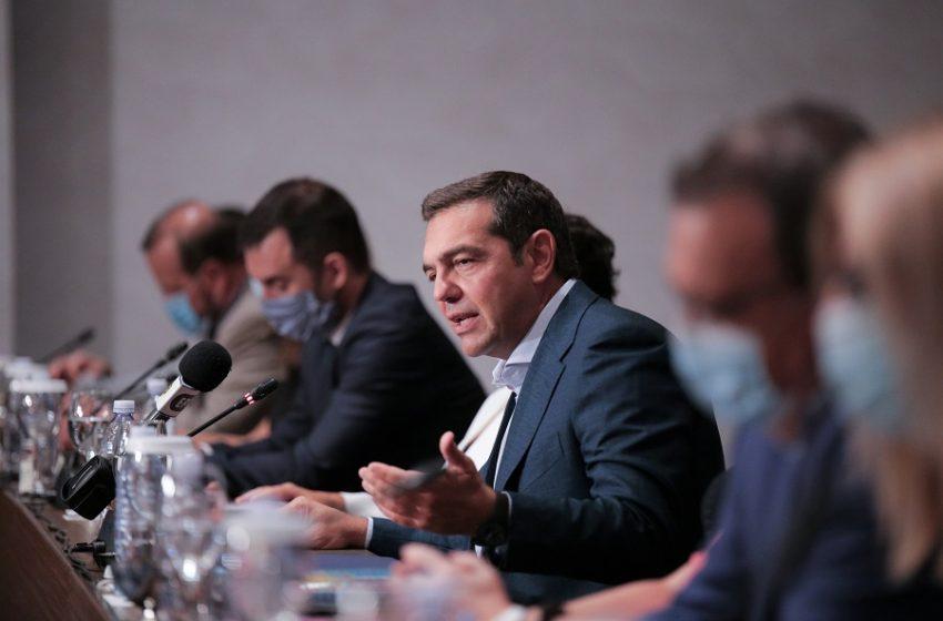 Αλ. Τσίπρας: Επιβεβαιώθηκε ο φόβος μας για πρωτοφανή ύφεση – Λιγότερο προσωπικό στα νοσοκομεία απ' ότι πριν έναν χρόνο