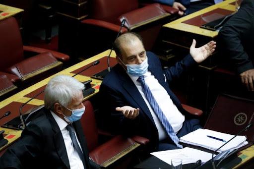 """Βελόπουλος ο """"μασκομάχος"""": Εγώ στο παιδί μου δεν θα έβαζα μάσκα"""