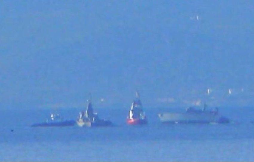"""Σύγκρουση πλοίων στον Πειραιά: Βυθίζεται το πολεμικό """"Καλλιστώ"""" – Υπάρχουν άνθρωποι στη θάλασσα"""