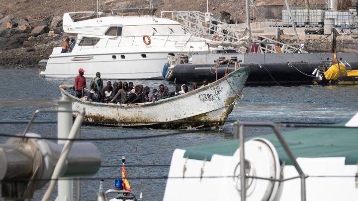 Περισσότεροι από χίλιοι μετανάστες έφθασαν στα Κανάρια Νησιά μέσα σε 48 ώρες