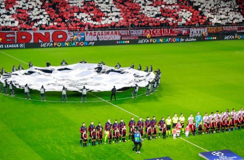 Αναστέλλεται η απόφαση για επιστροφή φιλάθλων στα γήπεδα- Παρέμβαση Τσιόδρα κατά της απόφασης Χαρδαλιά-Αυγενάκη