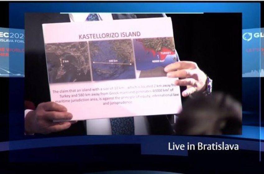 Απίστευτη προπαγάνδα – πρόκληση Τσαβούσογλου για το Καστελόριζο πριν τη συνάντηση με Δένδια (χάρτες)