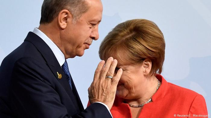 "To προκλητικό tweet του Τσαβούσογλου και η ήττα της Μέρκελ- ""Ναυαγούν"" οι διερευνητικές πριν ξεκινήσουν;- Αμηχανία στην Αθήνα"