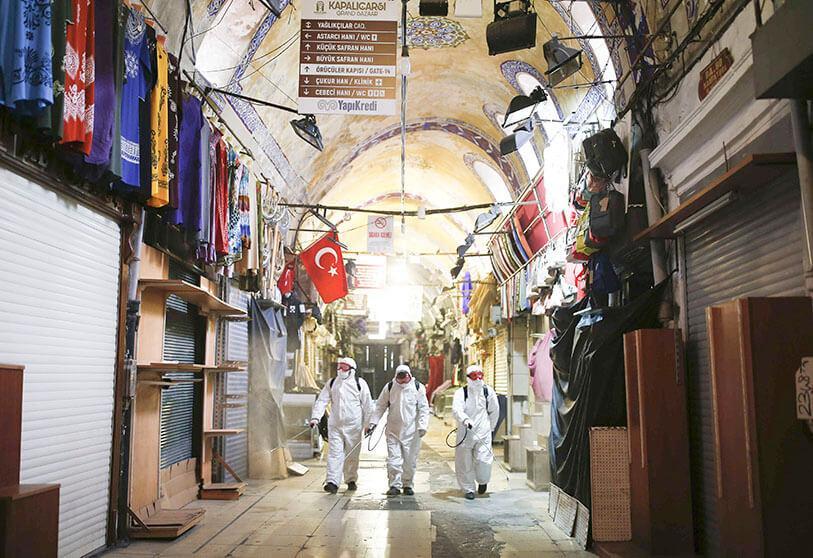 Τουρκία: Σαρώνει ξανά ο κοροναϊός