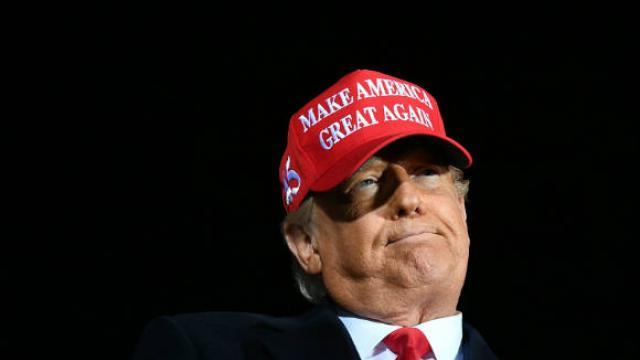 Το ειρωνικό tweet του Μπάϊντεν για τον Τραμπ και την πανδημία