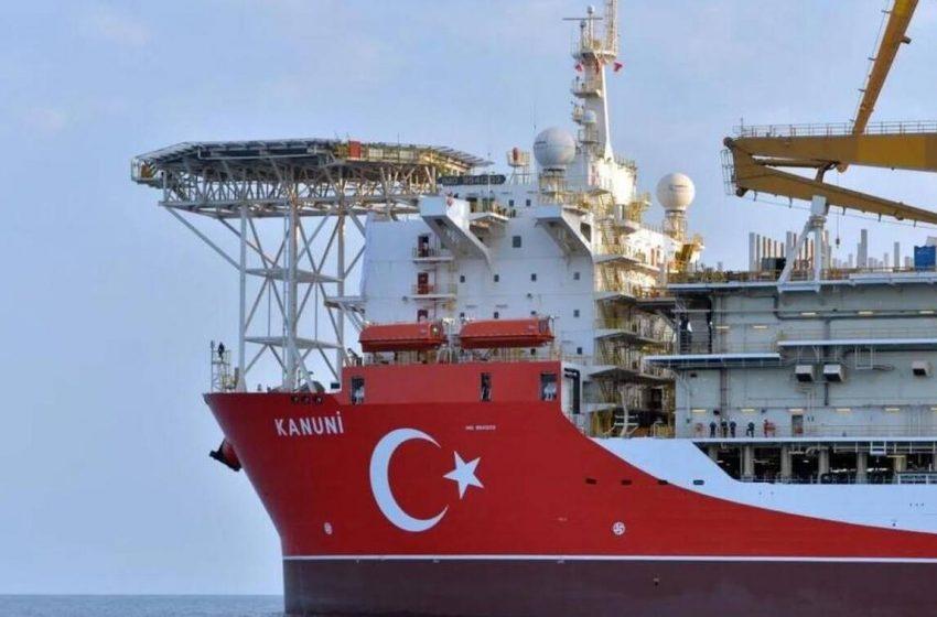 Διέλευση: Το τουρκικό γεωτρύπανο Kanuni 7 ναυτικά μίλια έξω από τη Ρόδο