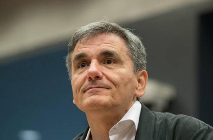 Ευ. Τσακαλώτος στο libre: Η κυβέρνηση νομοθετεί με μνημονιακή ατζέντα, και πριν την πανδημία και τώρα