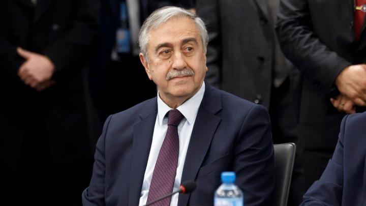 """Αποσύρεται από την πολιτική ο Ακιντζί – """"Καλή τύχη στον Τατάρ και στους ανθρώπους της Κύπρου"""""""
