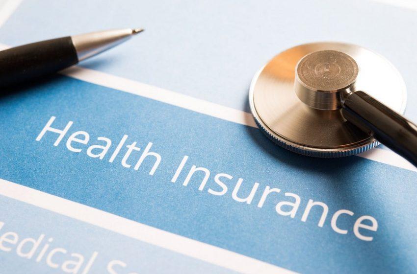 """Επιστημονική Επιτροπή Βουλής: """"Φρένο"""" στις μονομερείς αυξήσεις στα ασφάλιστρα υγείας"""