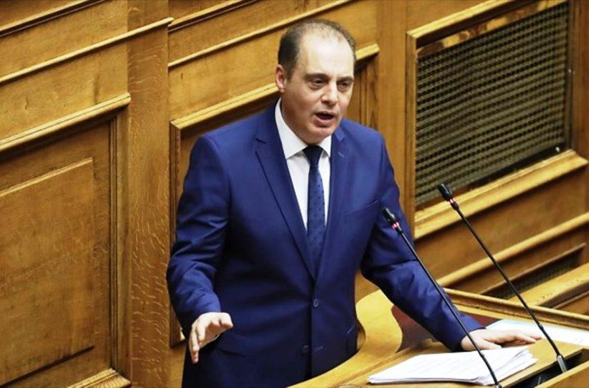 """Βελόπουλος: """"Όπλο σε κάθε Έλληνα, όταν θα μπουκάρει ο κάθε Ρομά να γίνεται κόσκινο"""" (vid)"""