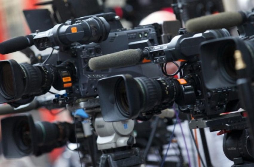 """""""Θεσμικό πρέσινγκ"""": Ο ΣΥΡΙΖΑ φέρνει το ΕΣΡ στη Βουλή – Στοιχεία για την πολυφωνία στα δελτία ειδήσεων"""