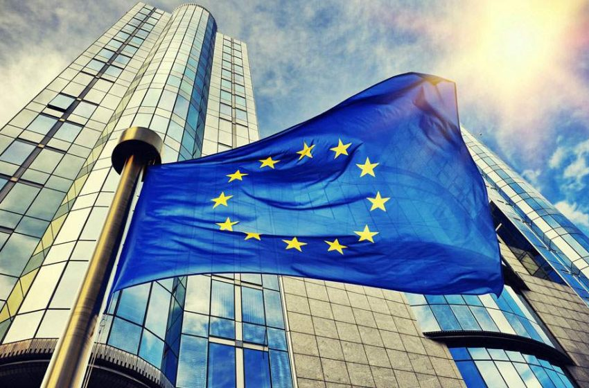 Κομισιόν: «Xαιρετίζει τη συμφωνία των κυβερνήσεων της Αλβανίας και της Ελλάδας»
