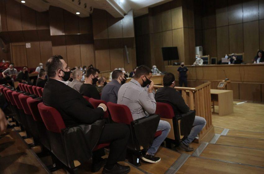 """Δίκη Χρυσής Αυγής: """"Λύεται η συνεδρίαση"""" – Εβδομάδα φυλακίσεων, αναστολών"""