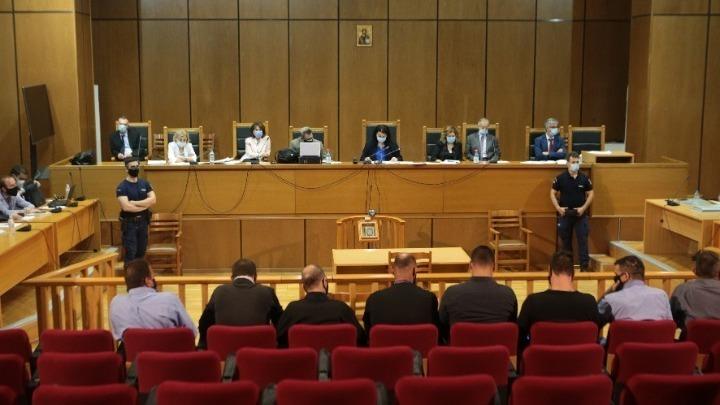 """Δίκη Χρυσής Αυγής: Ο διάλογος της προέδρου με την εισαγγελέα – """"Ράπισμα στην εισαγγελική αξιοπιστία η σημερινή διαδικασία"""""""