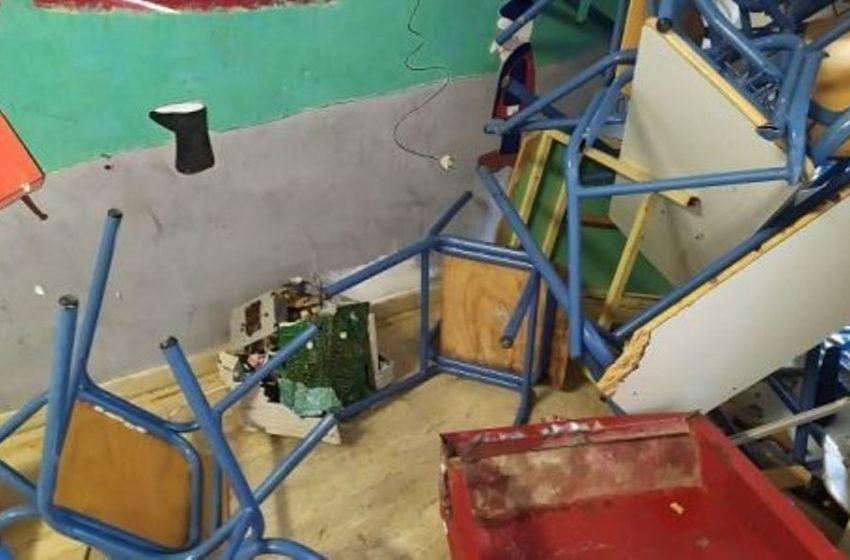 """""""Βομβαρδισμένο"""" σχολείο μετά από κατάληψη στα Γιάννενα (pic)"""