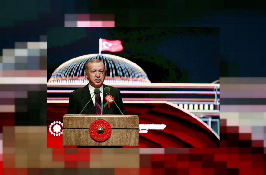 """Η Τουρκία """"βουλιάζει"""" ο Ερντογάν αυξάνει τον… μισθό του"""