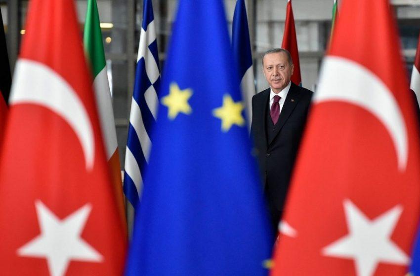 Handelsblatt: Δουλοπρεπής πολιτική έναντι της Τουρκίας