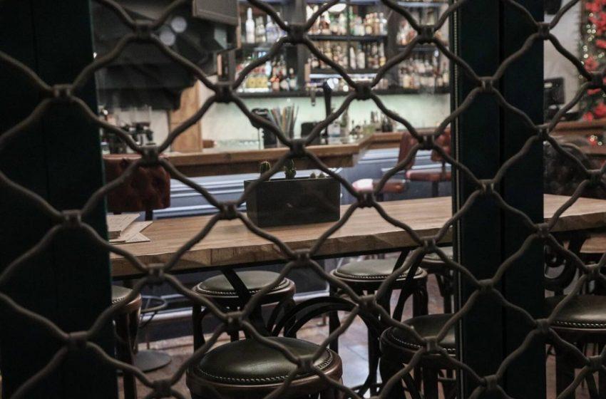 """""""Βόμβα"""" από Γεωργιάδη: Στο τραπέζι το κλείσιμο της εστίασης στις 22:00"""