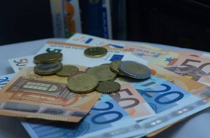 Αναδρομικά: Ποιοι θα λάβουν ένα ευρώ, ποιοι 10.000 – Πότε ξεκινά η καταβολή