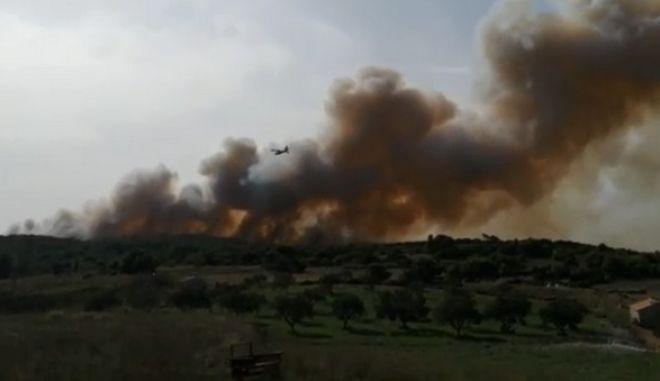 Μεγάλη φωτιά στη Ζάκυνθο- Σε ετοιμότητα για εκκένωση οικισμών
