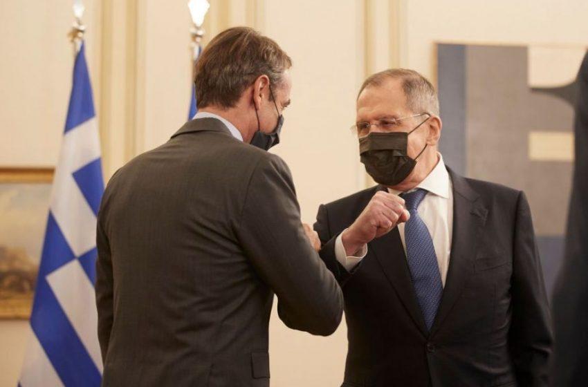 """Επίσκεψη Λαβρόφ: """"Ξεπάγωσαν οι σχέσεις Ελλάδας – Ρωσίας"""" – Ικανοποίηση στην Αθήνα"""