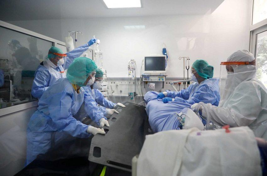 Γιαννάκος: Έχουμε γίνει Ιταλία – Οι μισοί ασθενείς πεθαίνουν εκτός ΜΕΘ!