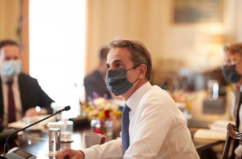 """Αρρυθμίες στο υπουργικό: Ποιους """"φωτογράφισε"""" ο πρωθυπουργός – Η αντίδραση Σταϊκούρα και η """"παρατήρηση"""" Μητσοτάκη"""
