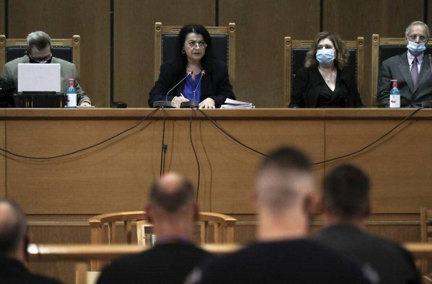 Δίκη Χρυσής Αυγής: Ανέβηκε η έδρα – Απο στιγμή σε στιγμή η ετυμηγορία