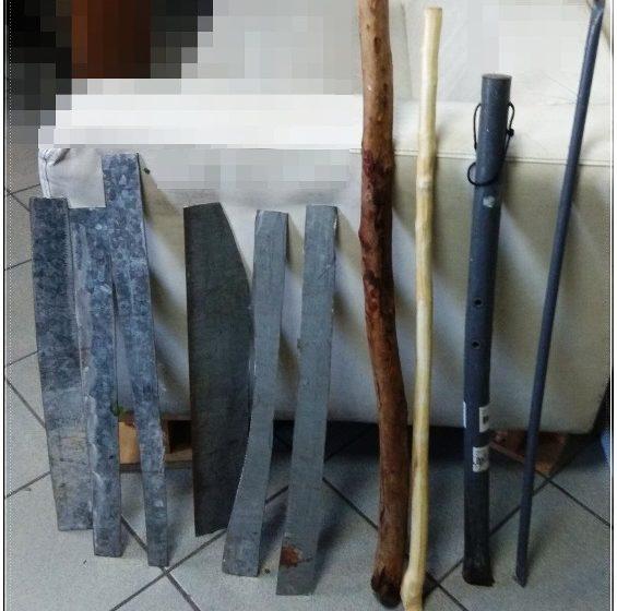 Βρήκαν αυτοσχέδια ρόπαλα και σπαθιά στην Δομή της Ριτσώνας