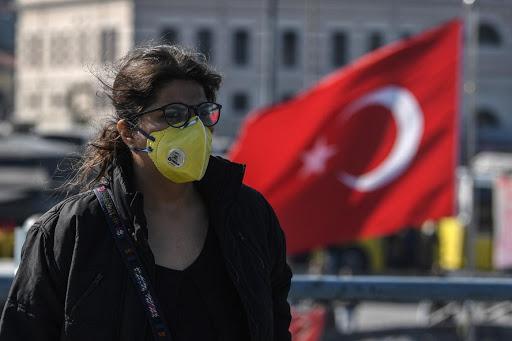 Κοροναϊός – Τουρκία: Το τρικ Ερντογάν και πώς (εξακολουθεί να) κρύβει τα κρούσματα – Οργή των γιατρών