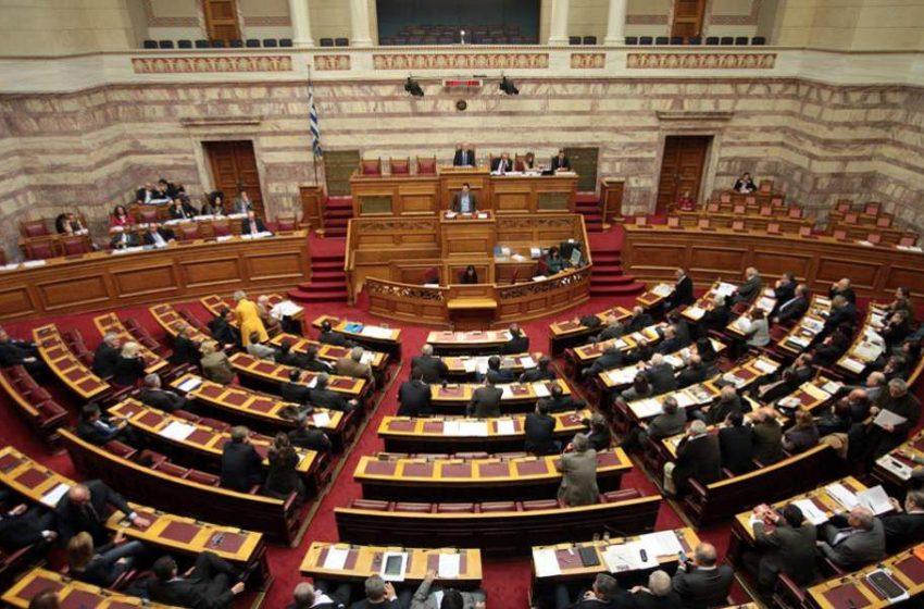 """Βουλή: Σφοδρή αντιπαράθεση ΚΚΕ με Ελληνική Λύση – """"H ανοησία έχει τα όριά της – Δεν θα πέσουμε στο βούρκο σας"""""""