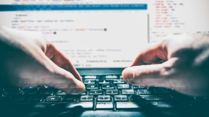 Xάκερ στην τηλεκπαίδευση – Πρόβαλαν πορνό