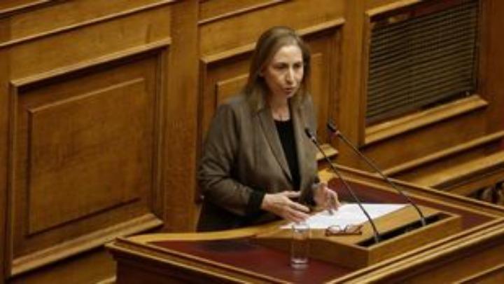 Ξενογιαννακοπούλου: Αρνείστε να ακούσετε την αγωνία και τον φόβο εργαζομένων και επιχειρήσεων που πλήττονται από την πολιτική σας