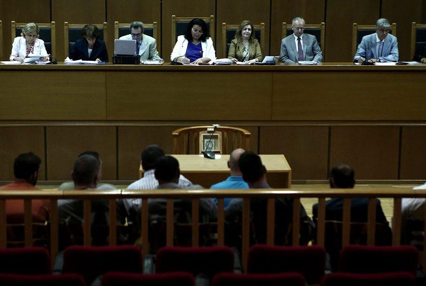 """""""Οι ναζί στη φυλακή"""": Οι κατηγορούμενοι της Χρυσής Αυγής και τα εγκλήματα"""