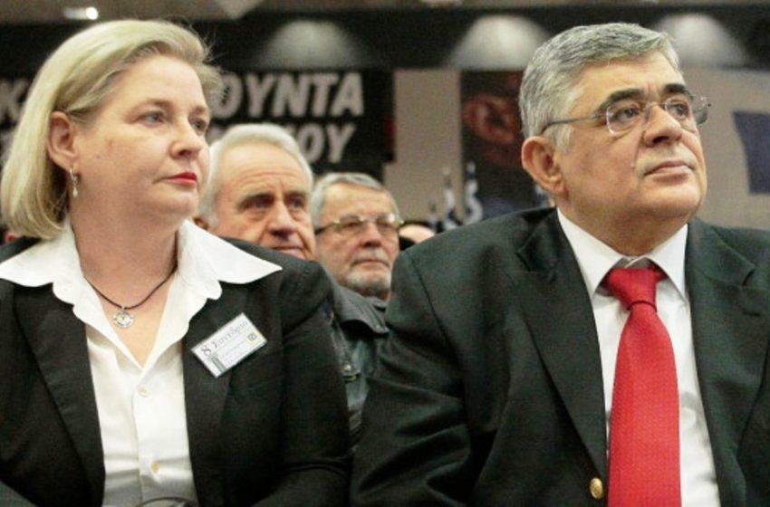 Φώναξε την Αστυνομία η Ζαρούλια για να διώξει τους δημοσιογράφους (vid)