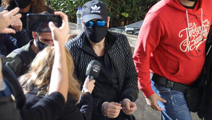 Στον εισαγγελέα με χειροπέδες ο Σφακιανάκης
