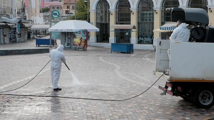 Εντατικοποιούνται οι δράσεις καθαρισμού-απολύμανσης σε πολυσύχναστα σημεία του δήμου Αθηναίων
