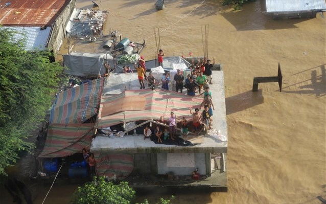 O τυφώνας Vamco σάρωσε τις Φιλιππίνες και κινείται προς το Βιετνάμ
