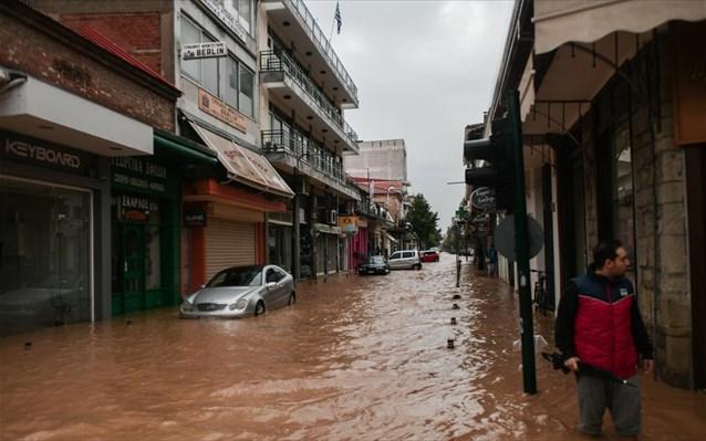 Αρωγός ο Στρατός Ξηράς στους πληγέντες από τον «Ιανό» στην Καρδίτσα και την Κεφαλλονιά