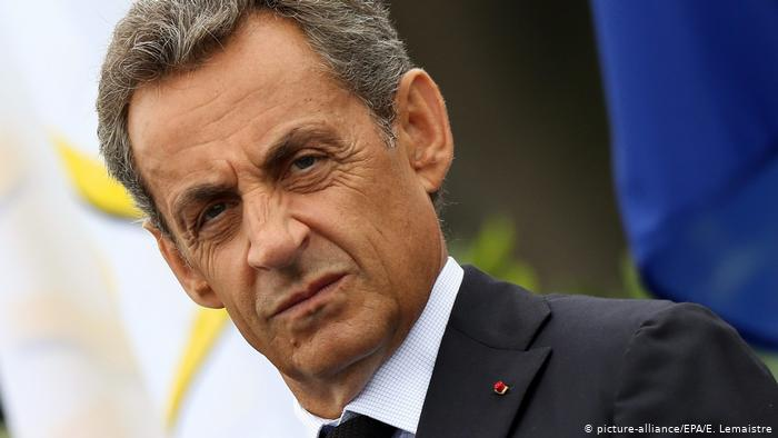 O Σαρκοζί στο εδώλιο για διαφθορά- Η δίκη που ίσως προκαλέσει πολιτικές εξελίξεις στη Γαλλία