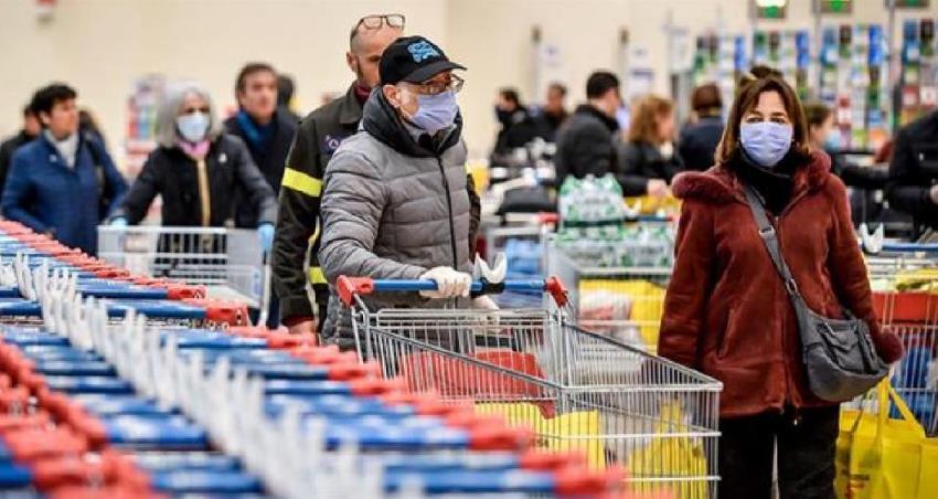 Είναι τα σούπερ μάρκετ εστίες μετάδοσης του ιού;- Τι λένε Γκίκας Μαγιορκίνης και Αθηνά Λινού