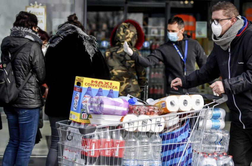 Σούπερ μάρκετ: Οι υπάλληλοι καταγγέλλουν ότι έγιναν εστίες υπερμετάδοσης