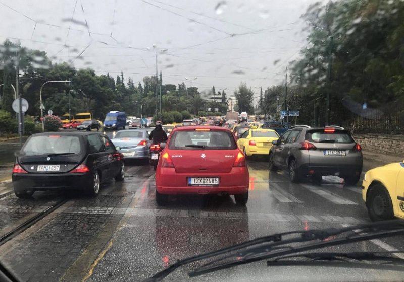 Χάος στον Κηφισό – Κυκλοφοριακό πρόβλημα λόγω τροχαίου