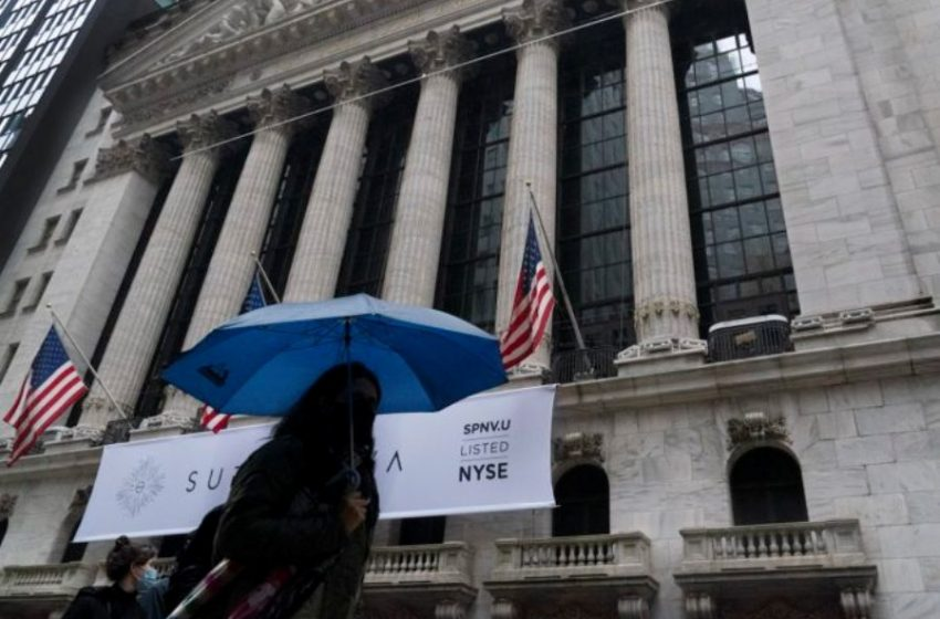 H μεγάλη άνοδος στην Wall Street προεξοφλεί καθαρό νικητή