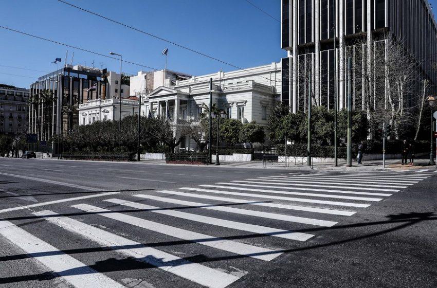 Αυτά είναι τα νέα σκληρότερα μέτρα – Εισηγήσεις για πλήρη απαγόρευση κυκλοφορίας και το απόγευμα