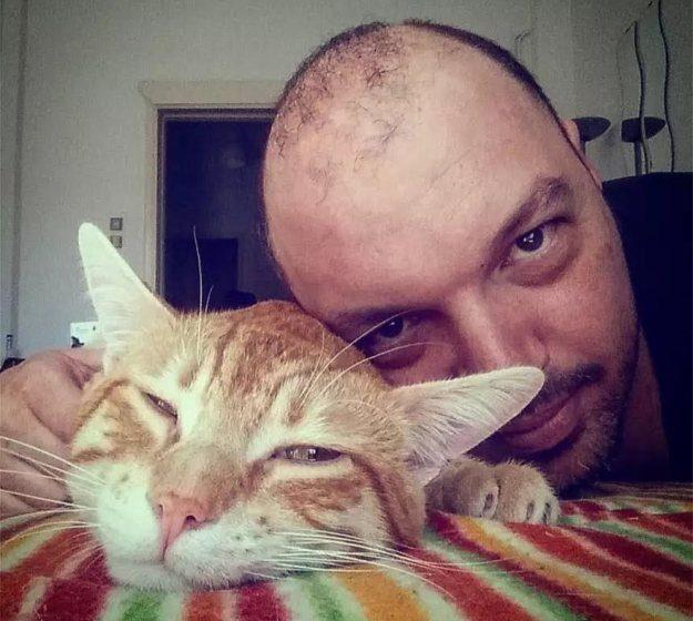 """Αποκάλυψη για τον θάνατο του 39χρονου Dj που πέθανε από κοροναϊό: """"Κολλήσαμε στα μαγαζιά"""""""