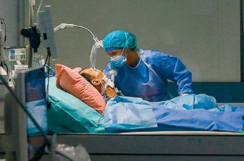 Διαψεύδει η κυβέρνηση τους ιατρικούς συλλόγους: Ελάχιστοι ιδιώτες γιατροί έχουν ανταποκριθεί