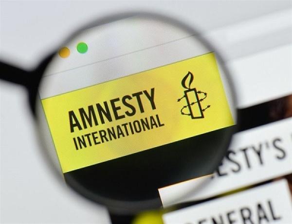 """Απαγόρευση συναθροίσεων: Ανακοίνωση """"καταπέλτης"""" από τη Διεθνή Αμνηστία"""