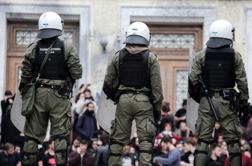 """Η αστυνομία στα Πανεπιστήμια: Τρεις πανεπιστημιακοί """"συγκρούονται"""" για τα νέα μέτρα"""